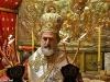 Ὁ Σεβασμιώτατος Μητροπολίτης Ἑλενουπόλεως κ. Ἰωακείμ τελεῖ τήν θείαν Λειτουργίαν εἰς τό Θεοδέγμον Σπήλαιον.