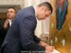 Mayor Klychko signs the guest book